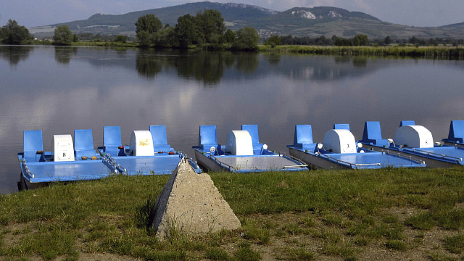 Pasohlávky leží u nádrží Nové Mlýny.