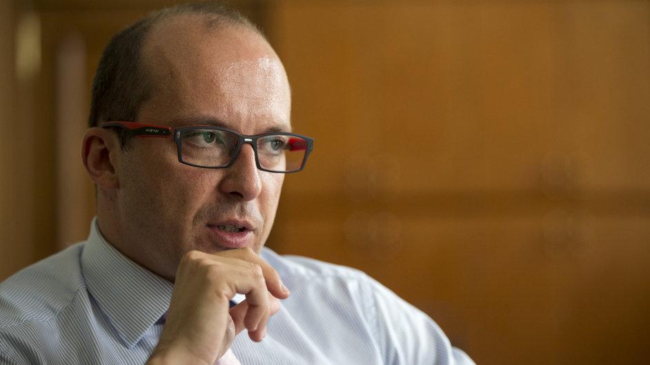 František Lukl byl v úřednické vládě ministrem pro místní rozvoj.