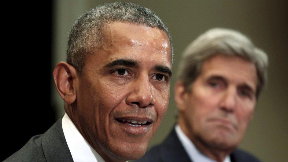Americká prezident Barack Obama a jeho ministr zahraničí John Kerry diskutují s veřejností o jaderné dohodě s Íránem.