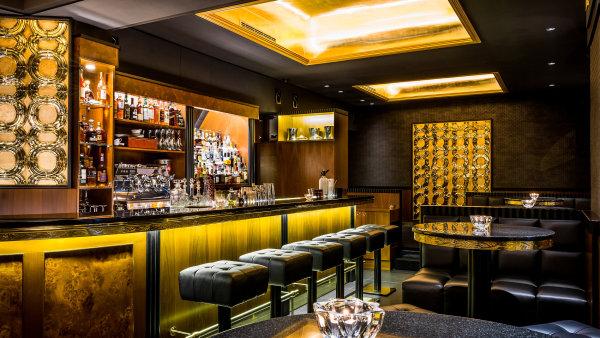 Prolog přináší atmosféru amerického baru zdoby prohibice.