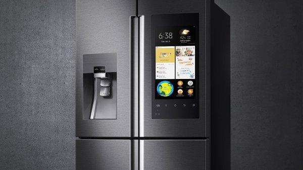Chytr� lednice s interaktivn�m displejem uk�e sv�j obsah a zhodnot� �erstvost potravin.