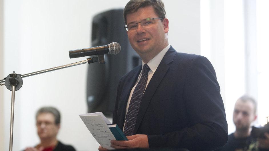 Jiří Pospíšil vstoupil do TOP 09 teprve nedávno, o post předsedy se však ucházet bude.