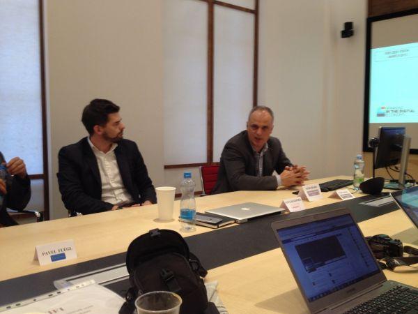 Jan Galgonek a Petr Chajda na tiskové konferenci ke sloučení firem