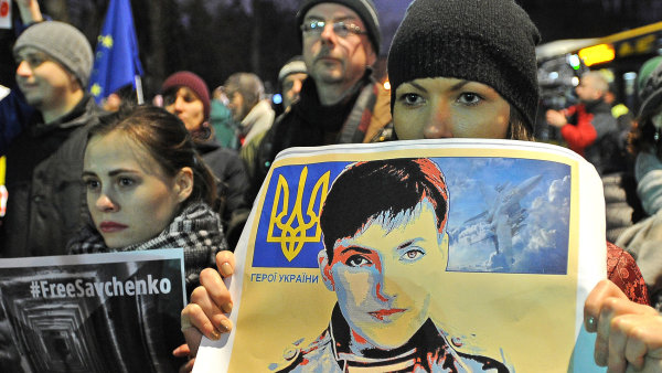Podle Sobotky by se EU m�la zasadit o propu�t�n� Sav�enkov� - Ilustra�n� foto.