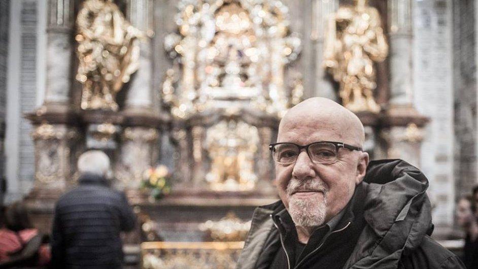 Spisovatel Paulo Coelho při návštěvě Prahy.