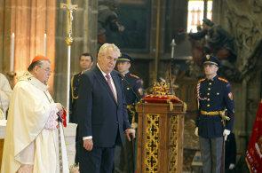 Na snímku arcibiskup Dominik Duka a prezident Miloš Zeman.