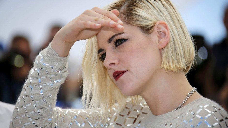 Kristen Stewartová letos v Cannes účinkuje hned ve dvou filmech - Café Society a Personal Shopper.