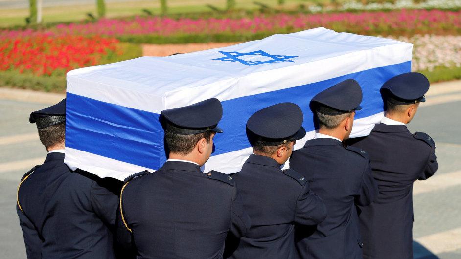 Po ceremonii v Knesetu se pohřební průvod vydal na Herzlův vrch.