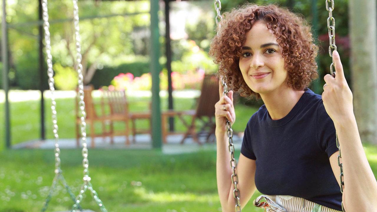 Marocká rodačka Leila Slimani vPaříži vystudovala prestižní Institut politických studií Sciences Po, začínala jako novinářka.