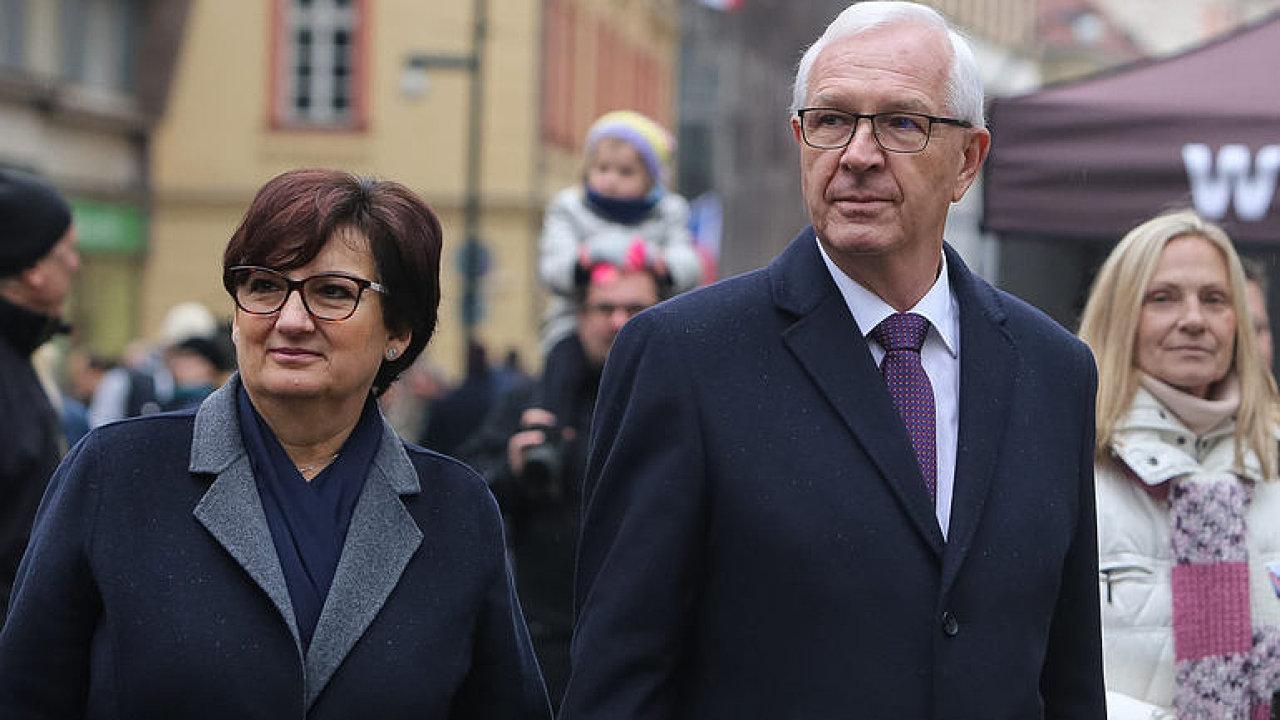Živě: Debata manželek kandidátů na prezidenta. Která by dobře reprezentovala Česko?