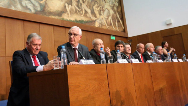 Debata prezidentských kandidátů na brněnské právnické fakultě Masarykovy univerzity