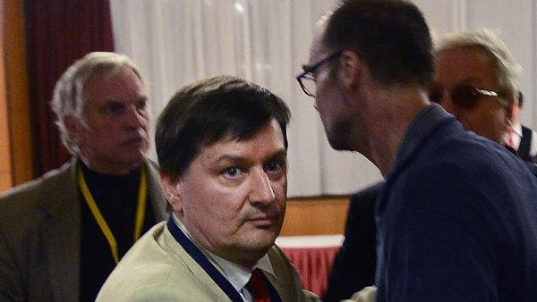 Karel Slezák je na snímku vlevo