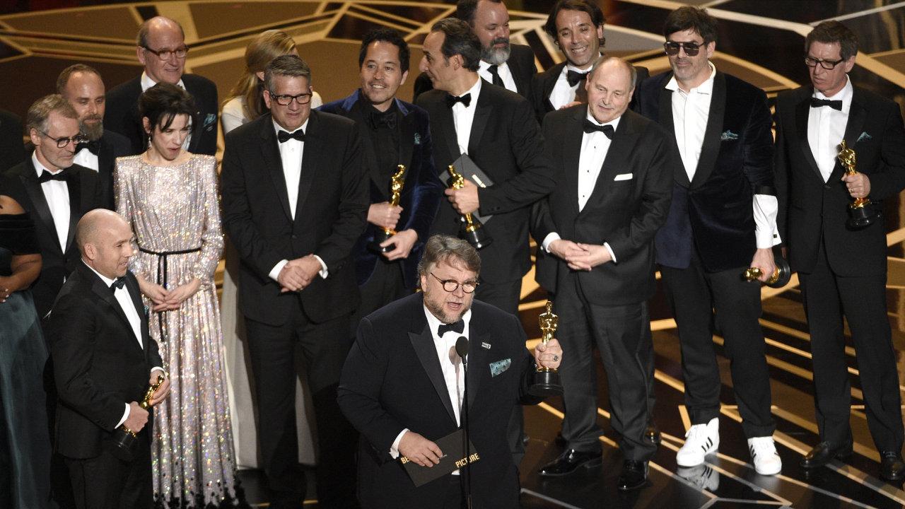 Oscara za nejlepší film získala Tvář vody Guillerma del Tora.