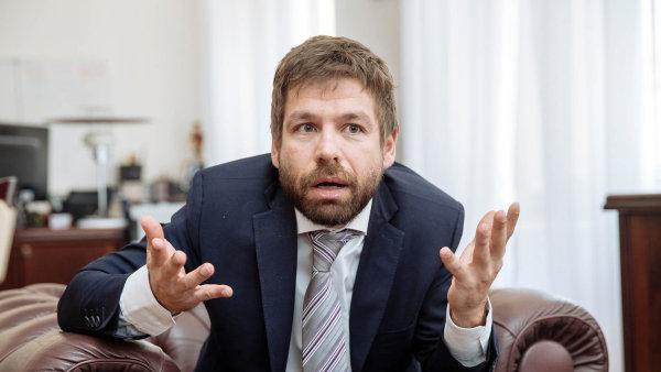 Ministr spravedlnosti Pelikán končí v politice.