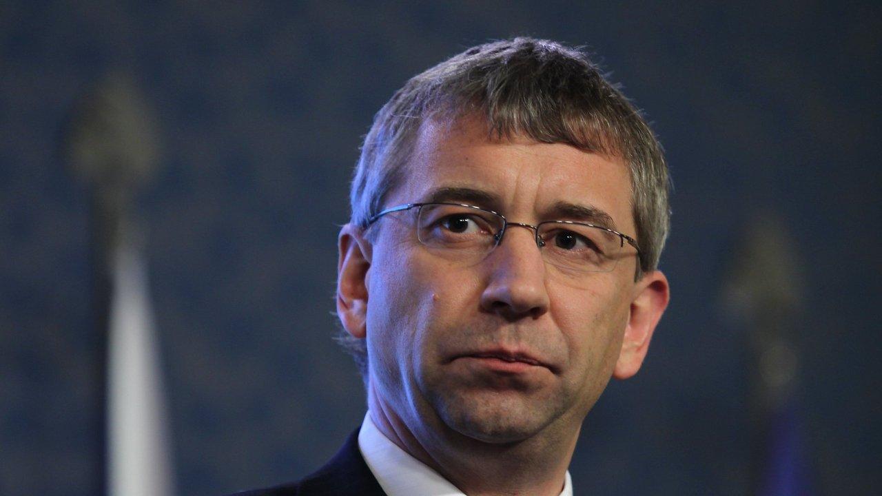 Zakázku zadal exministr Drábek
