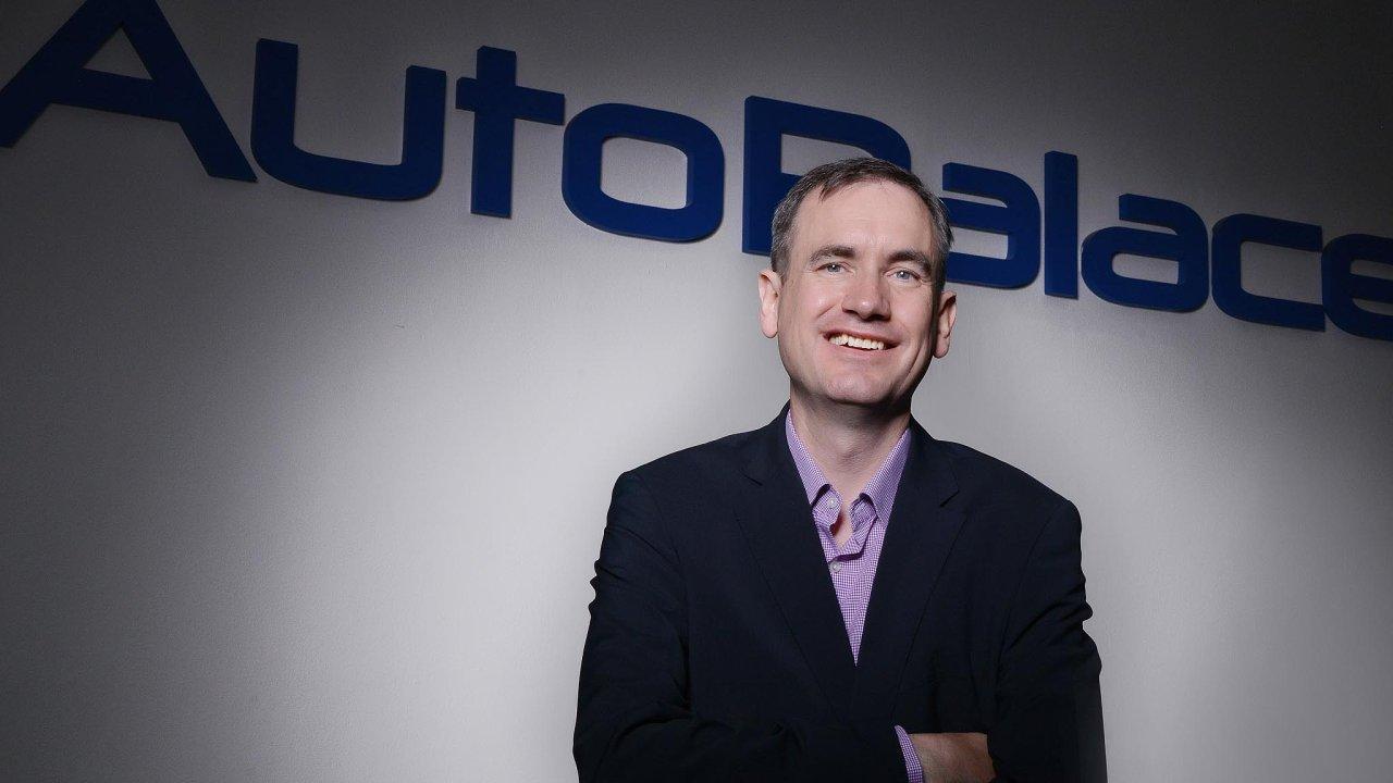 Peter Broster (52) je finančním ředitelem skupiny AutoBinck pro Česko aSlovensko. Přichází zAAA Auto International.