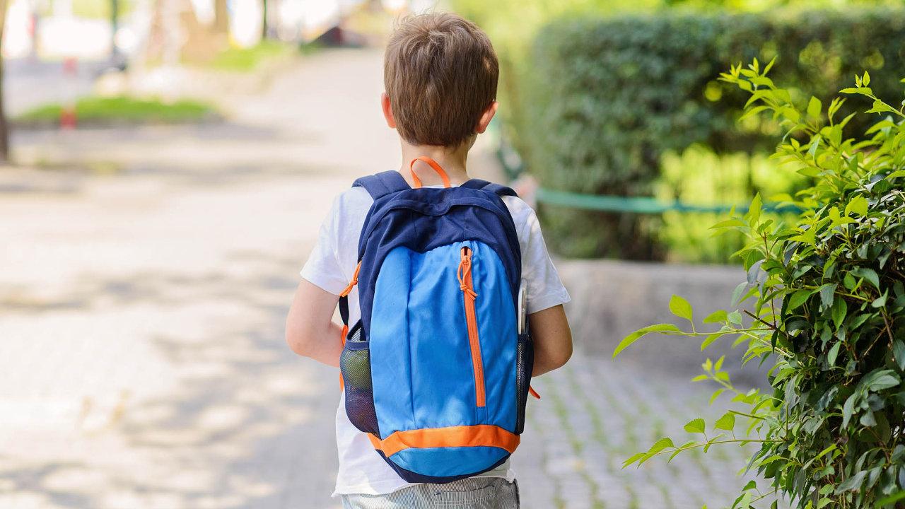 Rodiče mohou vaplikaci Pro-Skool vyznačit oblast, vekteré se má jejich dítě pohybovat, apokud ji opustí, dostanou upozornění.