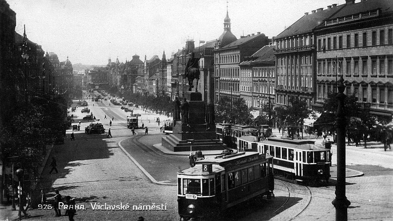Václavské náměstí v letech 1927 a 1928