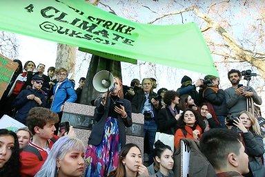 Stávka za klima? Není to ulejvání, politici nic neřeší, tak musíme my, tvrdí studenti.