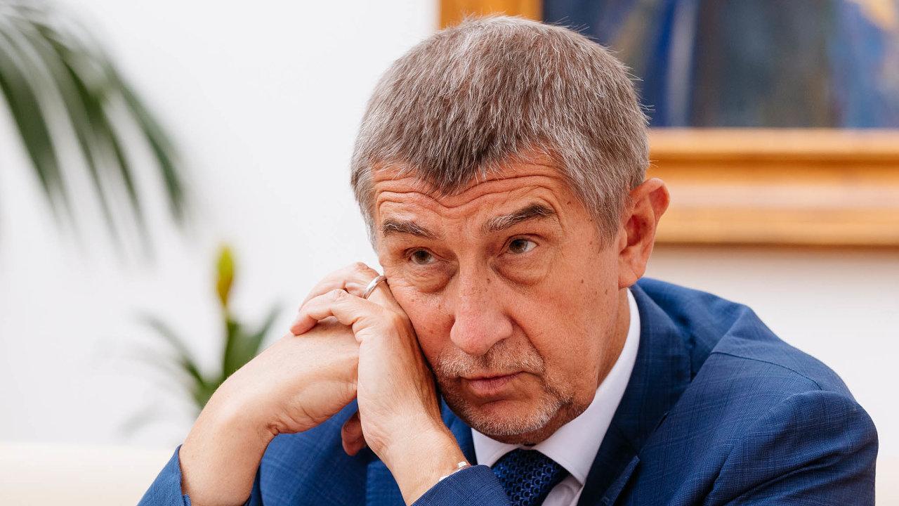 Babiš v listopadu uvedl, že Národní investiční plán zahrnuje přes 17 tisíc projektů za 3,45 bilionu korun na léta 2019 až 2030.