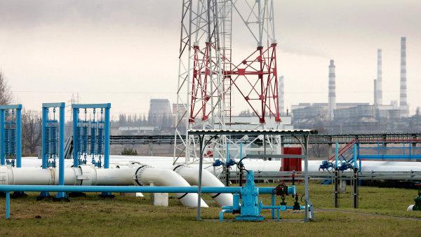 Ropa v Družbě už pátý týden stojí. Rusové obviňují z průtahů Polsko, které požaduje kompenzaci