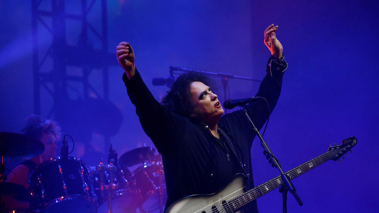 Hvězdy: Anglická kapela The Cure s frontmanem Robertem Smithem bude hlavním tahákem letošních Colours.