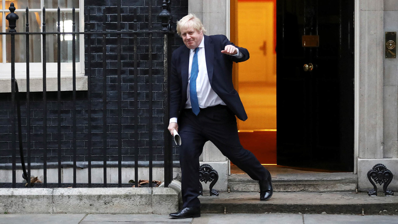Na prahu moci: Borise Johnsona dnes nejspíš britští konzervativci prohlásí svým novým šéfem. Už zítra by tak vstoupil dosídla britských premiérů, Downing Street číslo 10.