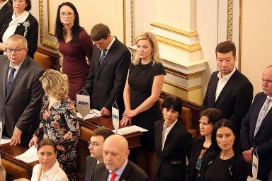 Sněmovna přehlasovala senátní veto novely skupiny poslanců ANO a pirátů proti kumulaci odměn z funkcí.