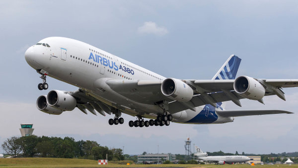 Evropský výrobce letadel Airbus zruší zhruba 15 tisíc pracovních míst.