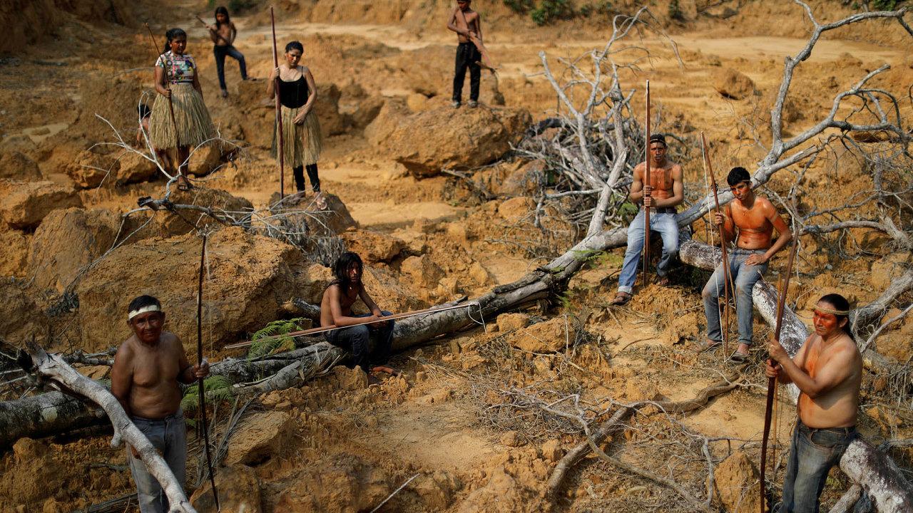 Ohrožení indiáni. Indiánské menšiny se vBrazílii obávají, že budou kvůli byznysu vyhlazeny.