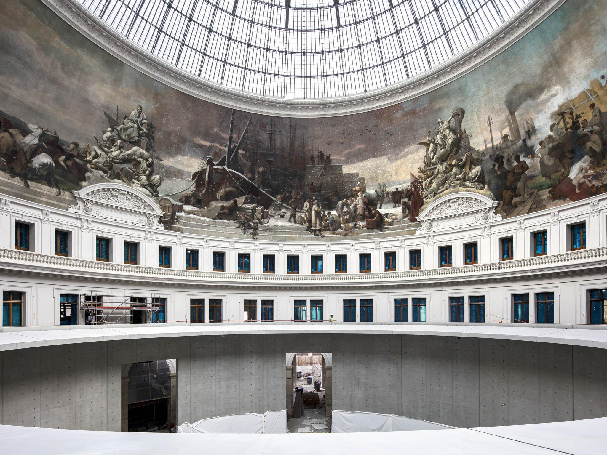 Nové místo pro současné umění vhistorické budově Bourse de Commerce vPaříži