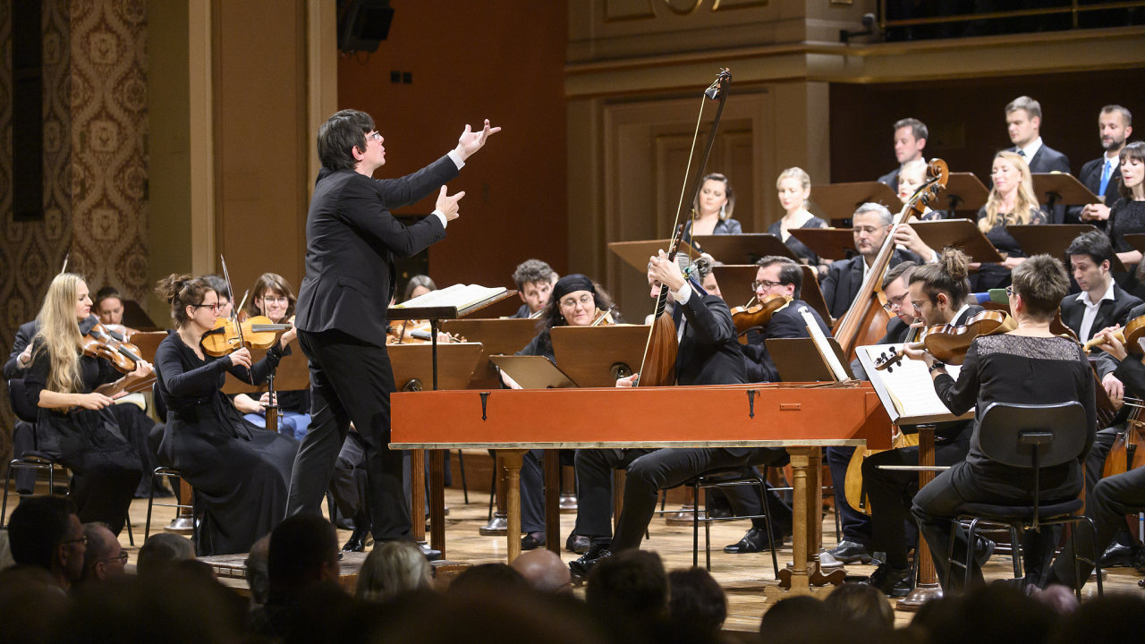 Zahajovací koncert festivalu Pražské jaro 12. května ireprízu 13. května odehraje Collegium 1704.