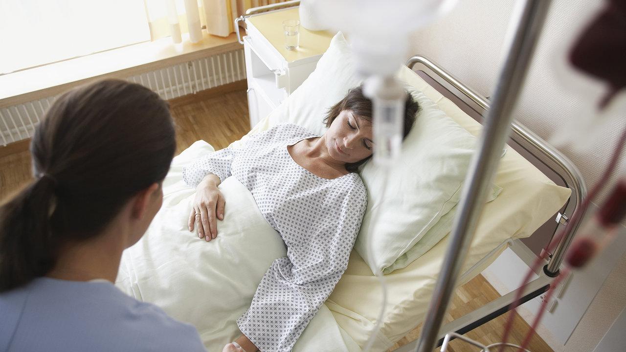 Ministr Petr Arenberger nevykázal podle zjištění TV Seznam milionové příjmy za testování léků v klinických studiích. Arenberger to odmítl s tím, že příjem neuváděl kvůli vysokým nákladům.