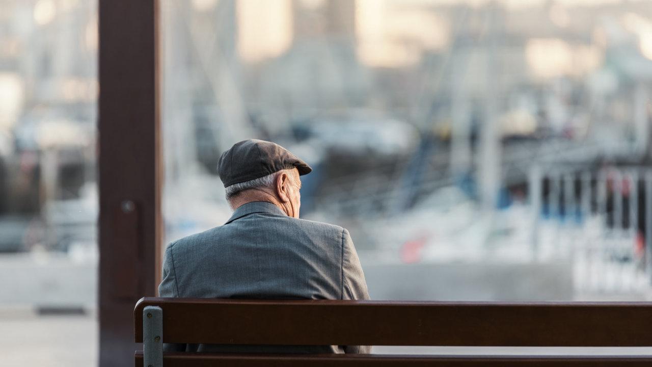 Starší gayové a lesby se často cítí osamělí.