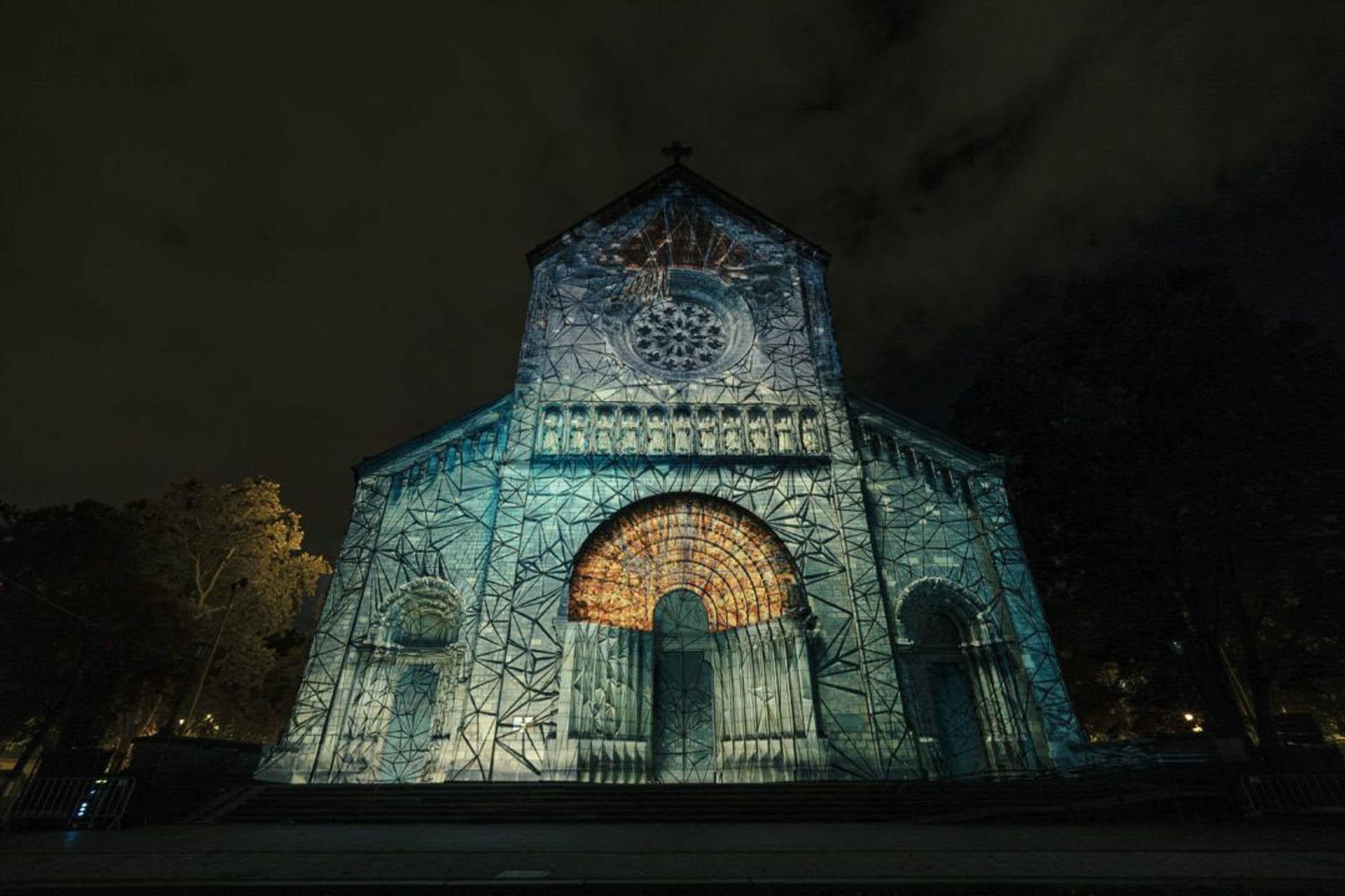 Jedna z největších kulturních akcí u nás chystá velkolepý návrat. Devátý ročník Signal Festivalu oživí ulice Starého Města, Holešovic a Karlína a představí 15 uměleckých instalací.