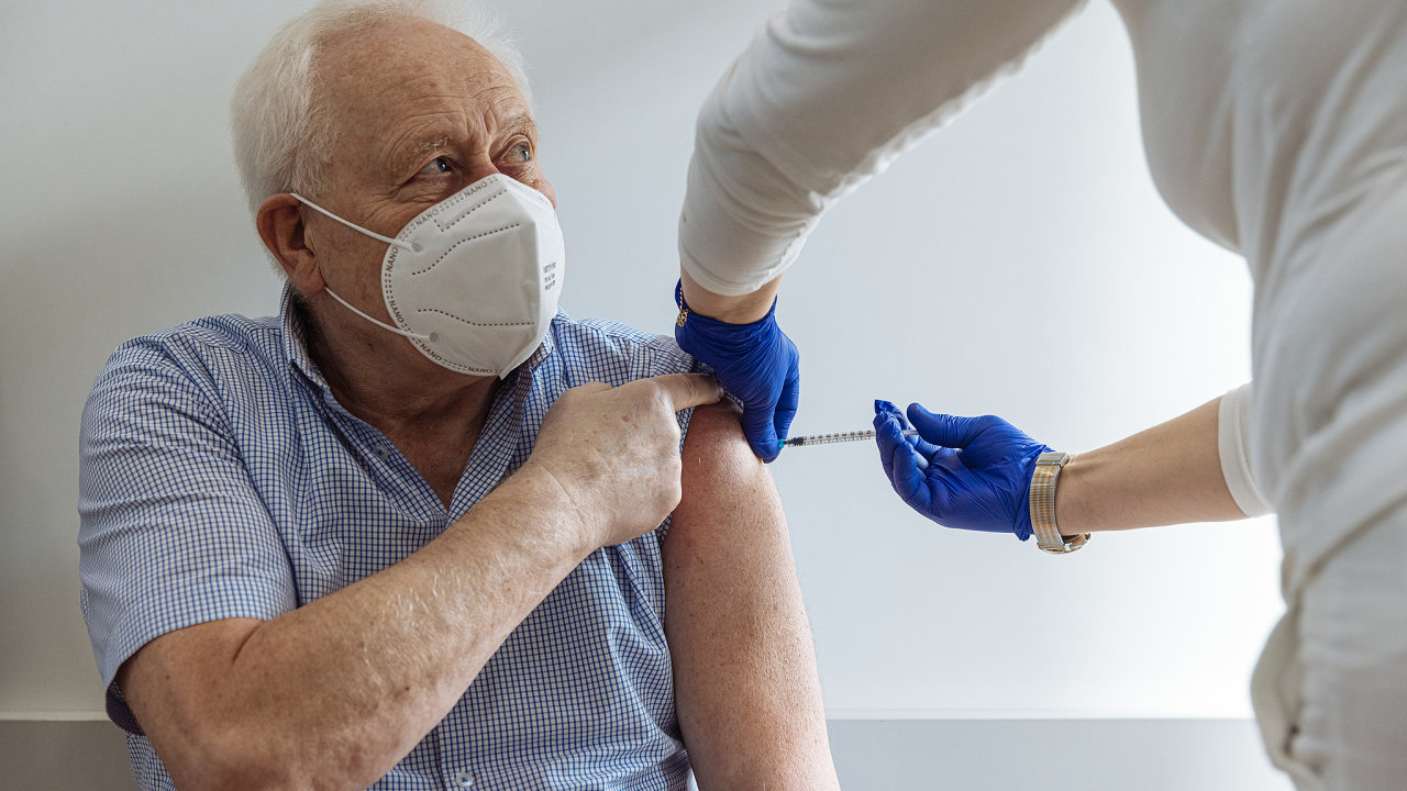 Očkování Říčany, senior