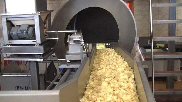 Výroba chipsů v Choustníku.