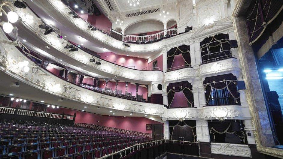 Divadlo Theatre Royal v důsledku škrtů přijde o 600 tisíc liber ročně.