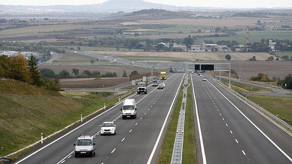 Plánovaná silnice se má na D8 napojit u Užic