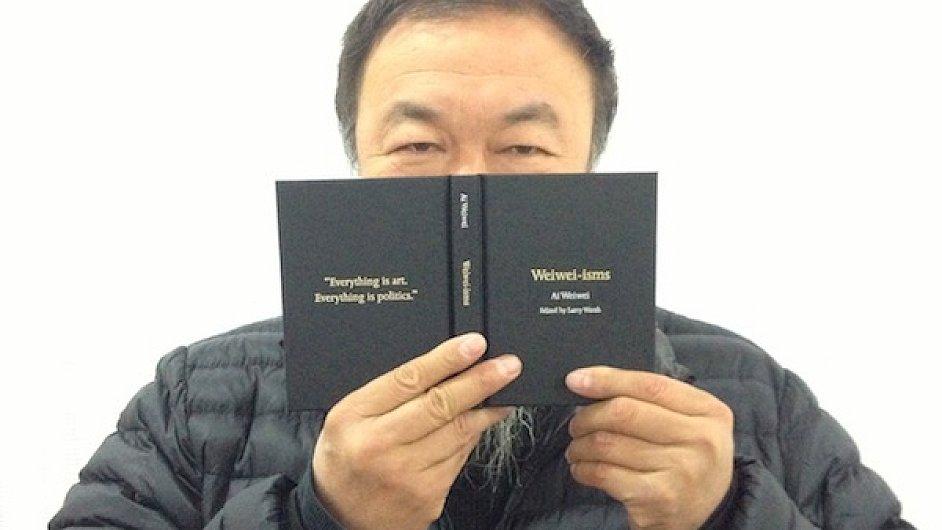 Knihu Wej-wej-ismů editoval sběratel čínského umění Larry Warsh.