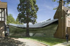 Zaha Hadid staví v Oxfordu organický most. Vytváří dojem, že plave