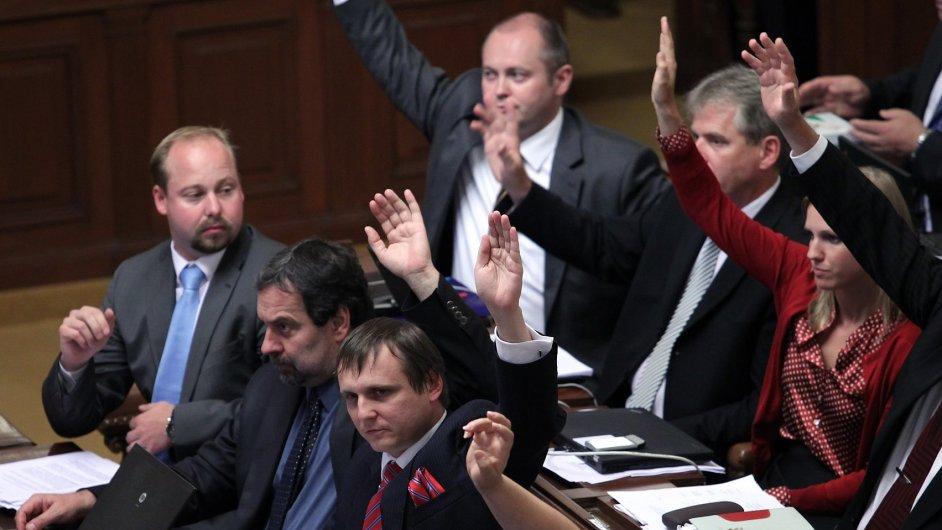 Hlasování poslanců - ilustrační foto