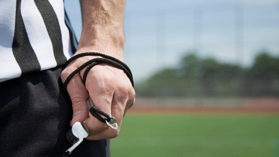 Fotbalový rozhodčí, ilustrační foto