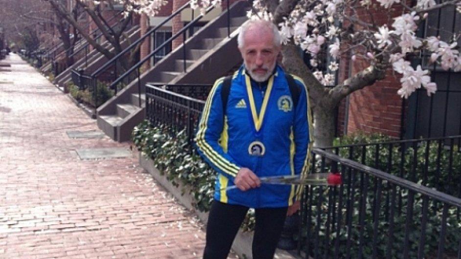 Svatopluk Fröhlich po doběhnutí Bostonského maratonu