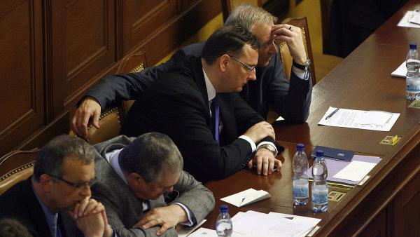 Červnová schůze Sněmovny PČR Na snímku premier Petr Nečas, Picek, Schwarzenberg a Kalousek