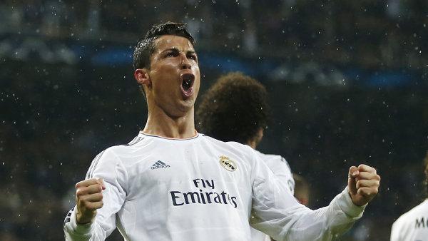Nejv�t�� hv�zda Realu Madrid a jeden z nejlep��ch hr��� sv�ta Cristiano Ronaldo.