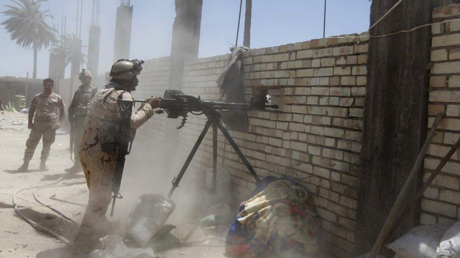 Iráčtí vojáci v boji s ISIS