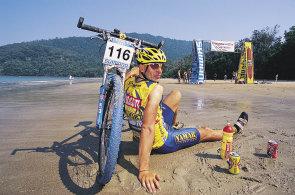 Takové závody se jezdí, aby člověk přežil, ne vyhrál, říká biker o česko-slovenském maratonu