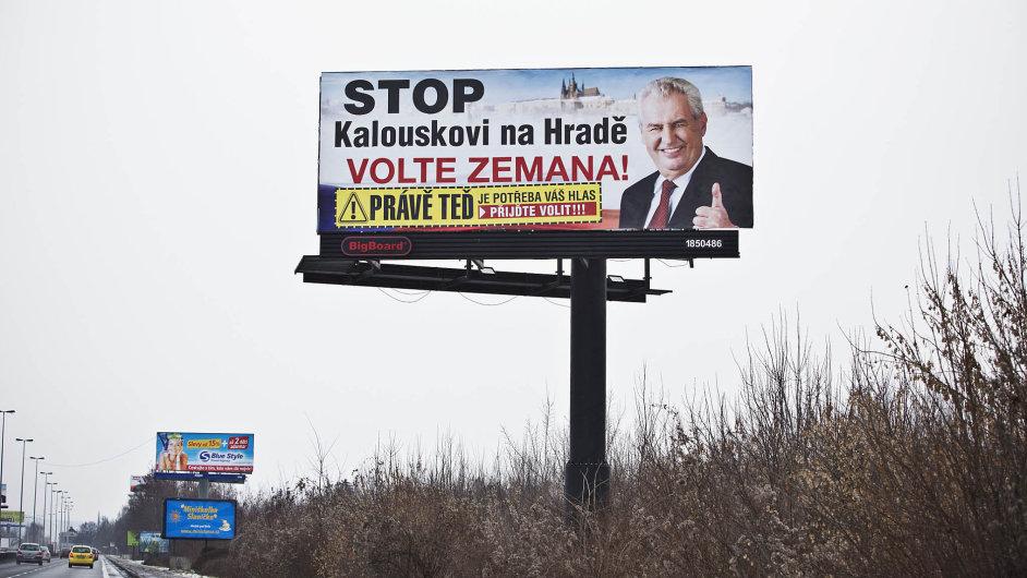 Úspěšná prezidentská kampaň.
