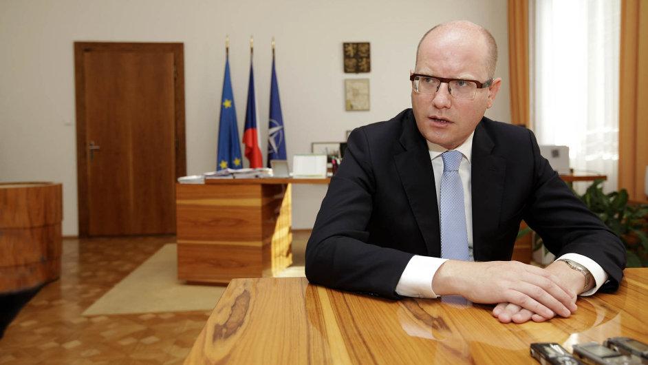 Premiér Bohuslav Sobotka se chce zasadit o to, aby Česko nezaostalo za státy, kterým euro umožní rychlejší integraci.